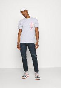 Common Kollectiv - FLORAL UNISEX - T-shirt print - grey marl - 1