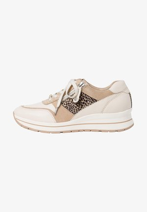 Trainers - ivory comb