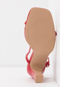 RAID Wide Fit - WIDE FIT SILVINA - Sandaletter - red - 6