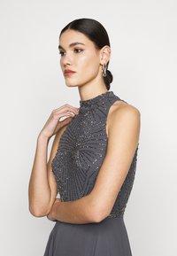 Lace & Beads Tall - AVERY HIGH LOW DRESS - Společenské šaty - charcoal - 3
