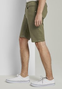 TOM TAILOR DENIM - Denim shorts - dry greyish olive - 3