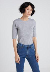Filippa K - STRETCH ELBOW SLEEVE - Basic T-shirt - grey melange - 0