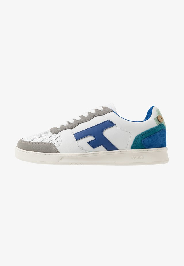 BASKETS HAZEL UNISEX - Matalavartiset tennarit - white/blue