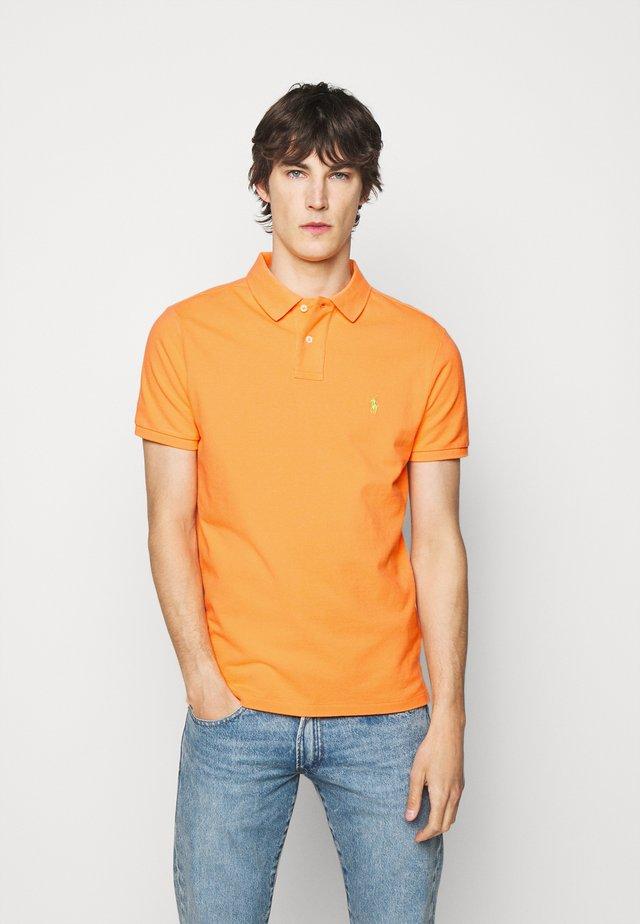 Polo shirt - classic peach