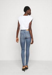 Selected Femme Tall - SLFSOPHIA - Jeans Skinny Fit - medium blue denim - 2