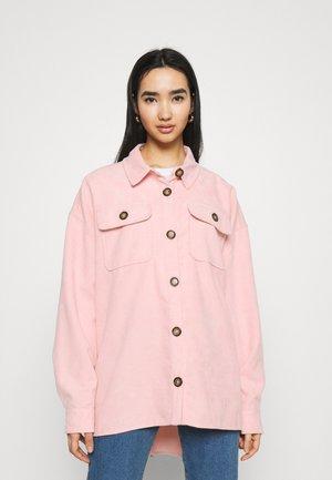 BRITT BOYFRIEND BLOUSE WOMEN - Skjorte - pink