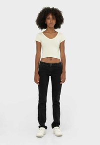 Stradivarius - MIT TIEFEM BUND  - Straight leg jeans - dark grey - 0
