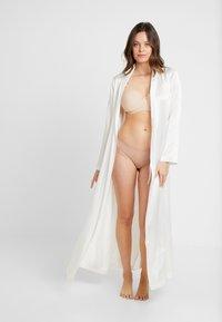 Freya - PURE UNDERWIRE MOULDED NURSING BRA - Sujetador con aros - nude - 1