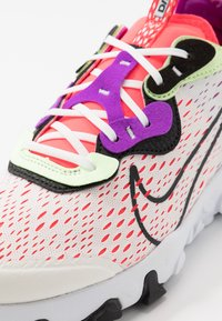 Nike Sportswear - REACT VISION - Sneakers laag - summit white/black/barely volt/laser crimson - 2