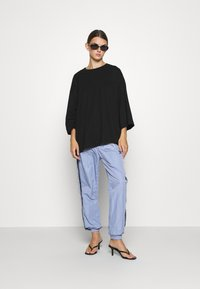Monki - BILLIE TEE - Long sleeved top - black