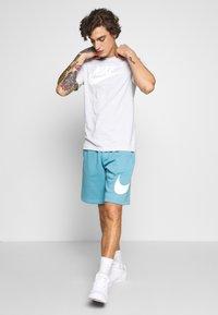Nike Sportswear - CLUB - Shorts - cerulean - 1