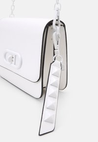 ALDO - UNORIA - Across body bag - bright white - 3