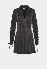 Missguided - RUCHED SLEEVE BLAZER DRESS PINSTRIPE - Kjole - black - 0