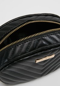 Spiral Bags - LABEL BUM BAG - Sac banane - black - 4