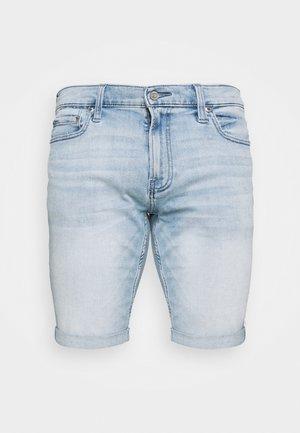 Denim shorts - light dremmel hit