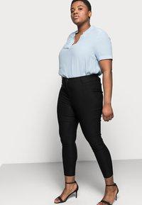 Vero Moda Curve - VMAUGUSTA SKINNY SOLID PANT - Leggings - Trousers - black - 3