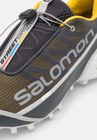 Salomon - STREETCROSS UNISEX - Baskets basses - ebony/sulphur/lunar rock - 5