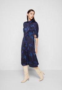 PS Paul Smith - DRESS 2-IN-1 - Shirt dress - dark blue - 4