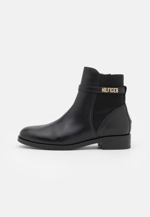 BLOCK BRANDING FLAT BOOT - Nilkkurit - black