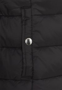 ONLY - ONLSANDIE QUILTED HOOD JACKET - Light jacket - black - 6