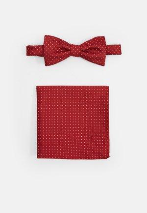SLHLANDON BOWTIE GIFTBOX SET - Kapesník do obleku - bright red