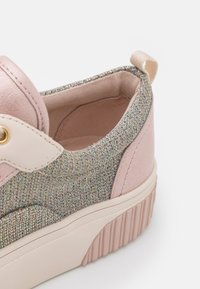 MICHAEL Michael Kors - OSCAR LACE UP - Trainers - withe/rainbow - 6