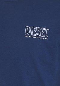 Diesel - JAKE - Printtipaita - blue - 2