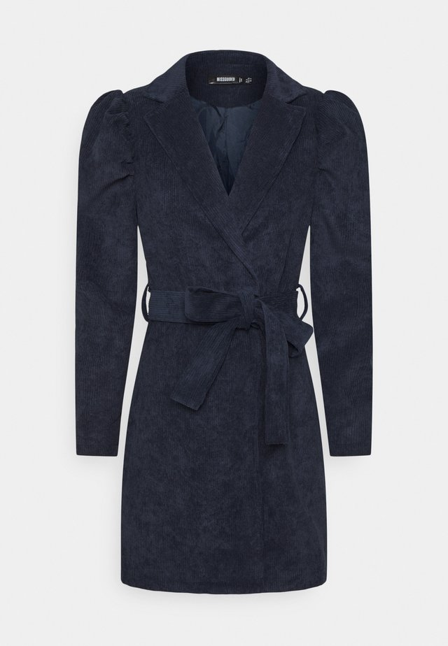 TIE DYE BELTED DRESS - Etui-jurk - navy