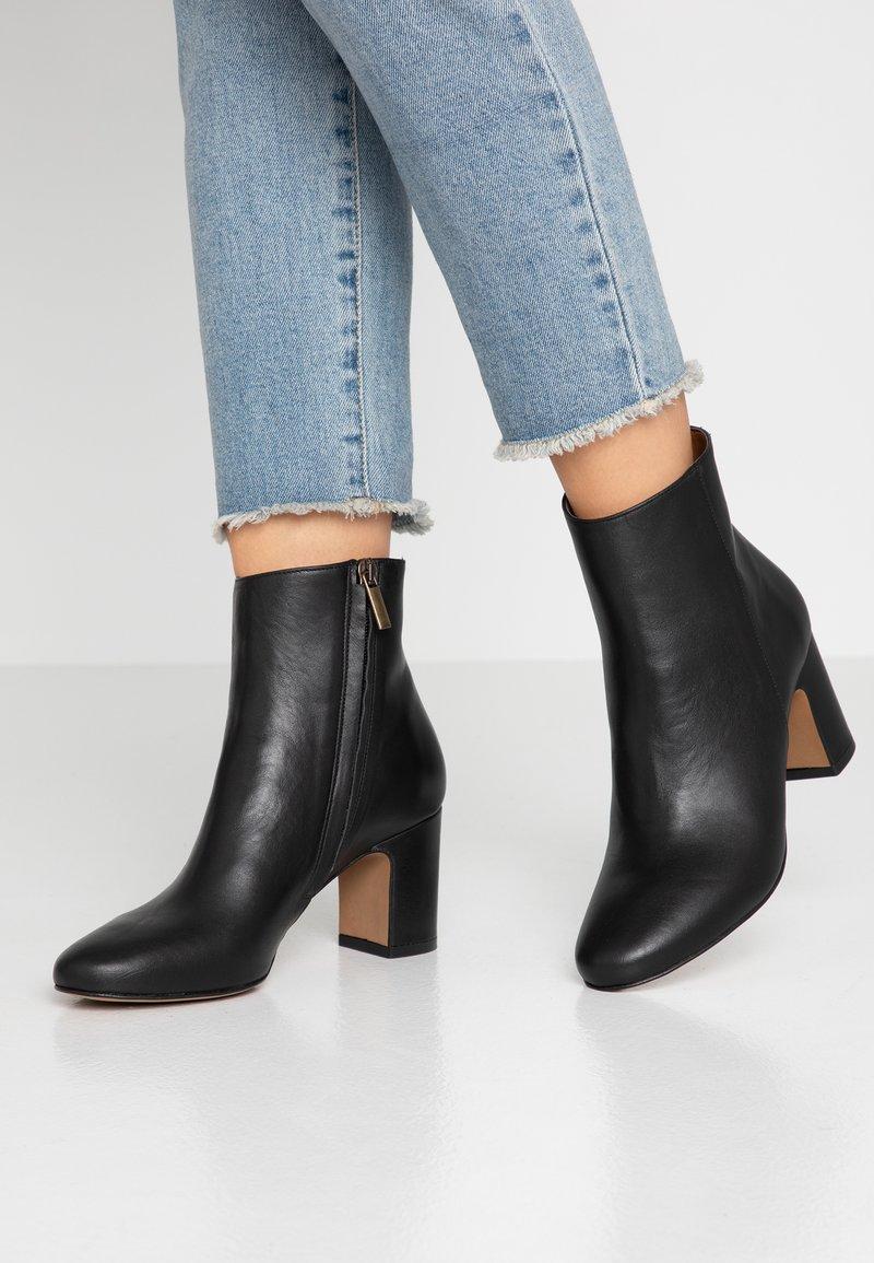 Bianca Di - Classic ankle boots - nero
