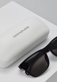 Calvin Klein Jeans - Sunglasses - matte black - 2