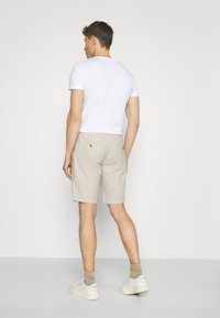 Lindbergh - ELASTIC WAIST - Shorts - off white mix - 2