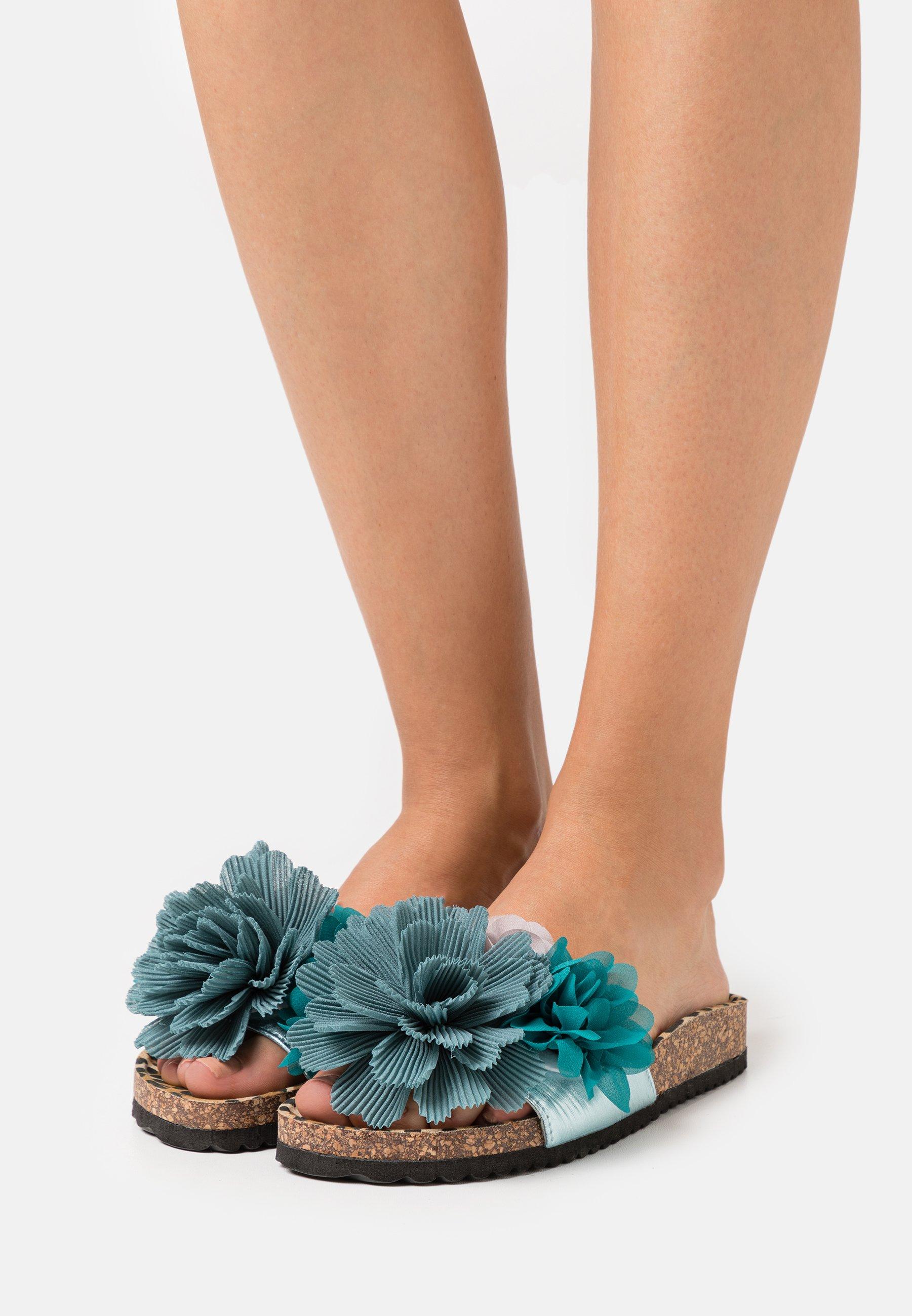 Women BIO WIDE SOLE MULTI FLOWERS - Mules