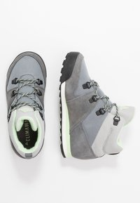 adidas Performance - SNOWPITCH COLD.RDY TRAXION HIKING SHOES MID - Hikingschuh - grey three/grey four/glow green - 0