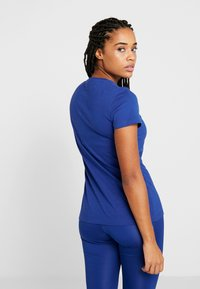 Reebok - TEE - Camiseta básica - cobalt - 2