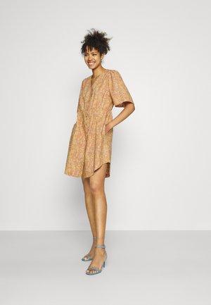 YASMIMA DRESS - Day dress - tan/mima