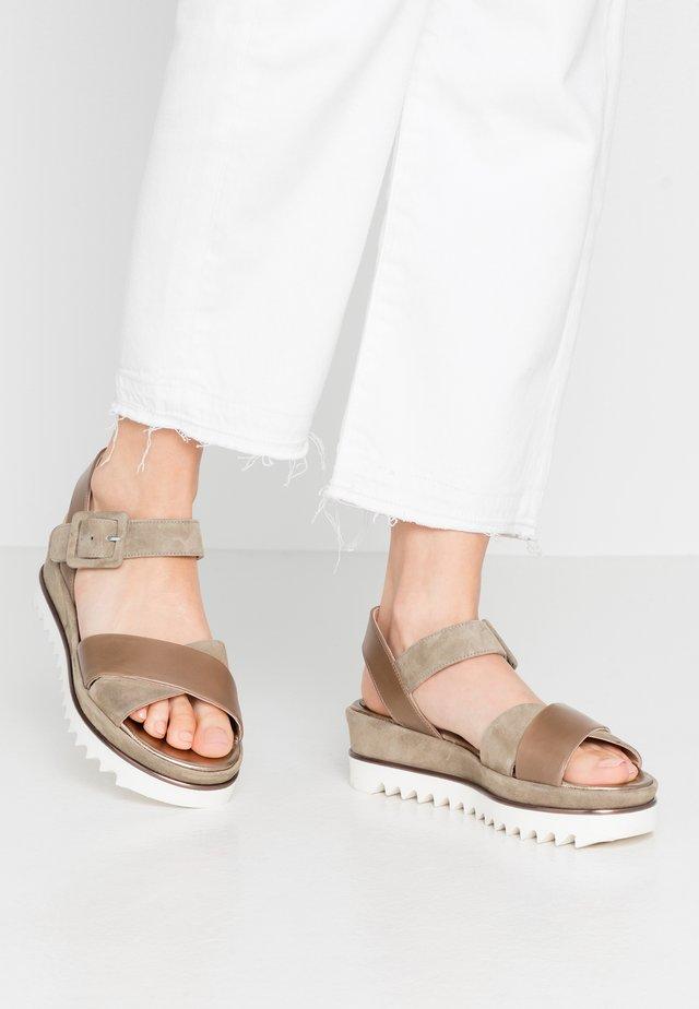 TRESPE - Korkeakorkoiset sandaalit - khaki