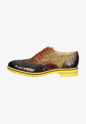 Sznurowane obuwie sportowe - crock mid brown tom