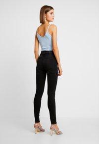 ONLY - ONLFHUSH LIFE - Jeans Skinny Fit - black denim - 2