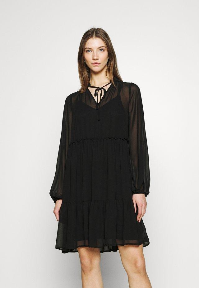 VITULLAN  - Denní šaty - black