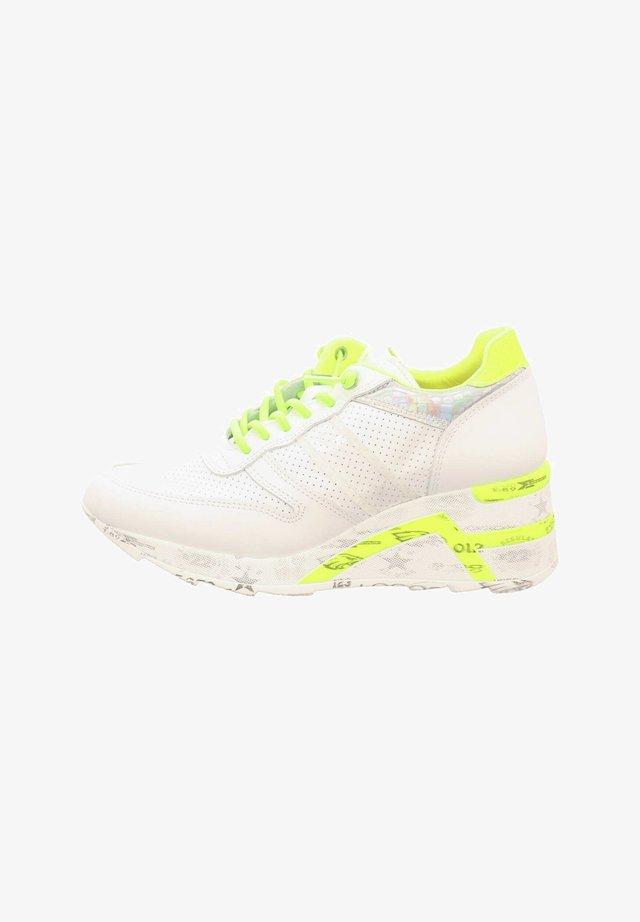 Trainers - sweet white yellow