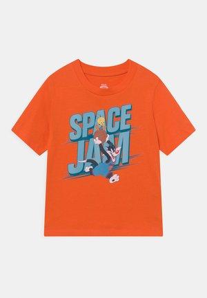SPACE JAM 2 SYLVESTER UNISEX - Print T-shirt - orange