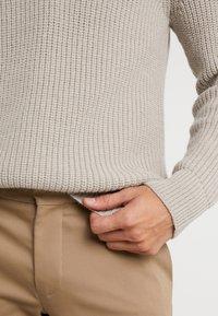 DRYKORN - HENDRY - Pullover - beige - 6