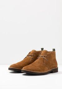 Polo Ralph Lauren - TALAN CHUKKA BOOTS CASUAL - Zapatos con cordones - desert tan - 2