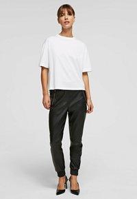 KARL LAGERFELD - Basic T-shirt - white - 1