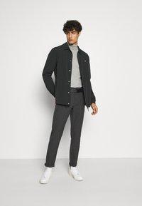 Selected Homme - SLHSLIM STORM FLEX SMART PANTS - Trousers - dark grey - 1