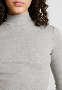 Missguided - HIGH NECK CROP 2 PACK - T-shirt à manches longues - black/grey - 4
