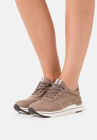 LOVE OUR PLANET by MARCO TOZZI - LACE UP - Zapatillas - taupe - 0
