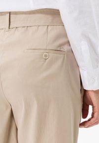 BRAX - STYLE MILLA B - Shorts - warm sand - 4