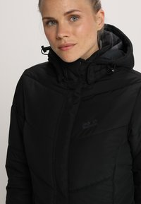 Jack Wolfskin - SVALBARD COAT WOMEN - Winter coat - black - 4