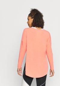 GAP - BREATHE - Long sleeved top - coral reef neon - 2